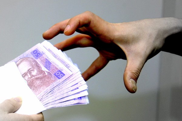Ще один чиновник у Тернополі притягнутий до відповідальності за корупцію