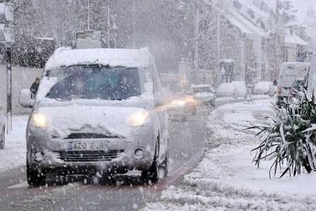 Ситуація на дорогах: у снігах застрягли 60 вантажних автомобілів
