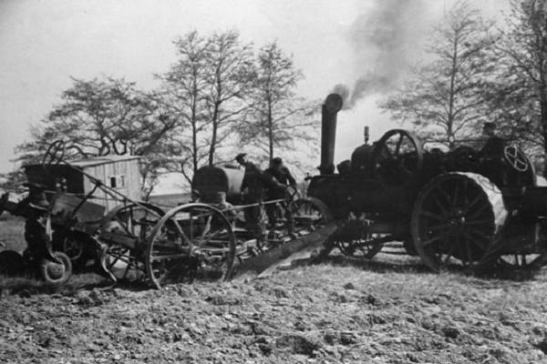 На Теребовлянщині копачі знайшли унікальний локомобіль (Фото)