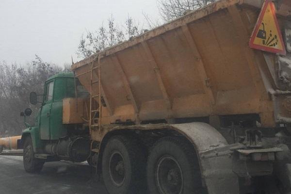 Шляховики Тернопільщини забезпечують безперебійний проїзд дорогами області