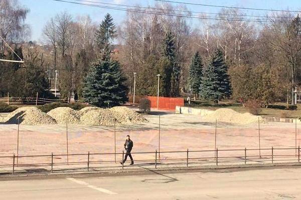 Вхід у парк Шевченка ремонтуватимуть три місяці