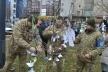 У Тернополі військовослужбовці Збройних Сил України вшанували Героїв Небесної сотні тихою акцією «Ангели пам'яті»