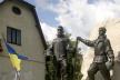 На Тернопільщині відкрили пам'ятник двом наймолодшим героям Небесної Сотні