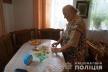 40 тисяч гривень видурили у бабусі шахрайки, прикинувшись працівницями банку