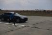 Хто швидший – людина чи автомобіль? У Тернополі провели незвичні перегони між легкоатлетом і спорткаром