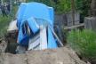 На Тернопільщині під вагою вантажівки обвалився аварійний міст (Фото)