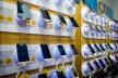 Тернополяни просять дозволити працювати підприємцям, що  ремонтують мобільні телефони і продають до них деталі