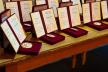 Багатодітних матерів із Тернопільщини нагородили відзнаками «Мати-героїня»
