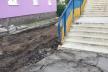 У Тернополі на вулиці Парковій розпочали оновлювати тротуарне покриття