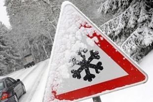 Несподівано: На Великдень Карпати замело снігом (Фото)