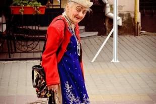 Тернопільський депутат підтримує створення пам'ятника місцевій бабусі, яку називали «Шапокляк»