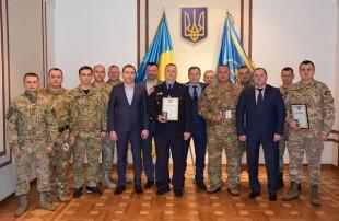 Тернопільські податківці служать Україні і отримують за це нагороди