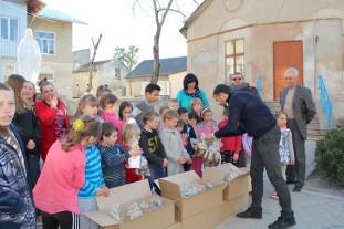Понад дві тисячі потребуючих отримали на Великдень паски, за сприяння фонду Ігоря Гуди (Фото)
