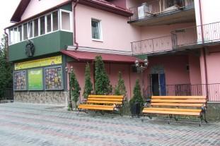 У Тернополі упорядкували ще одну Театральну площу (Фото)