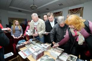 Міський голова Сергій Надал відвідав презентацію книги про українських добровольців