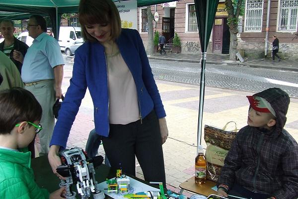 Чому дощ не зміг завадити п'ятим «Науковим пікнікам» у Тернополі?