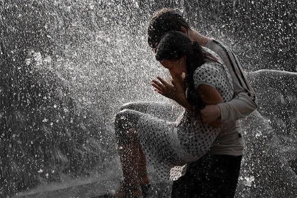 Міський етюд про булочки, дощ і кохання