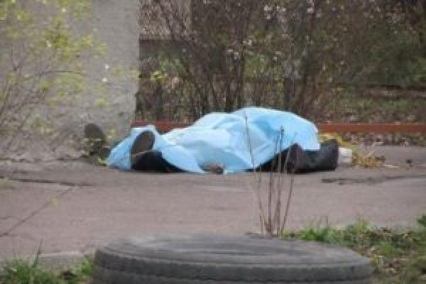 В Івано-Франківську виявили мертвого чоловіка з Тернополя