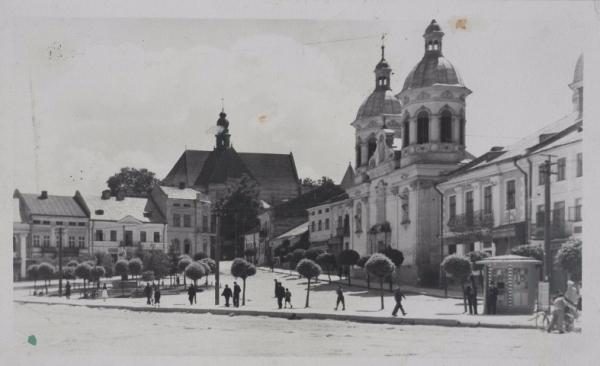 Місто Бережани та його мешканці на фото початку ХХ століття