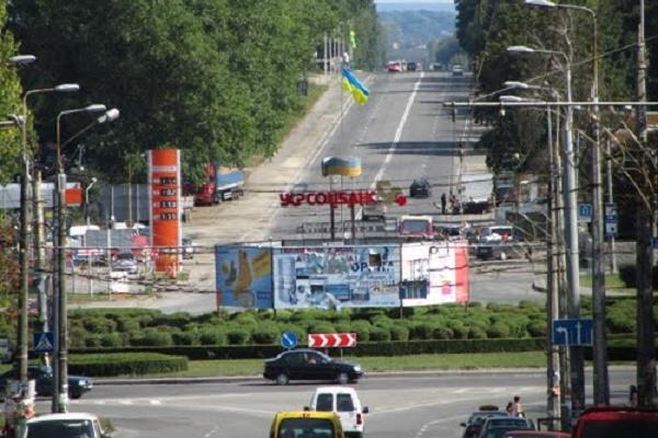 Тернополяни просять облаштувати зупинки на Підволочиському шосе