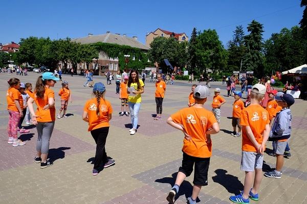 Літо в Тернополі розпочалось з дитячих усмішок — УГП провела «Фестиваль дитинства»