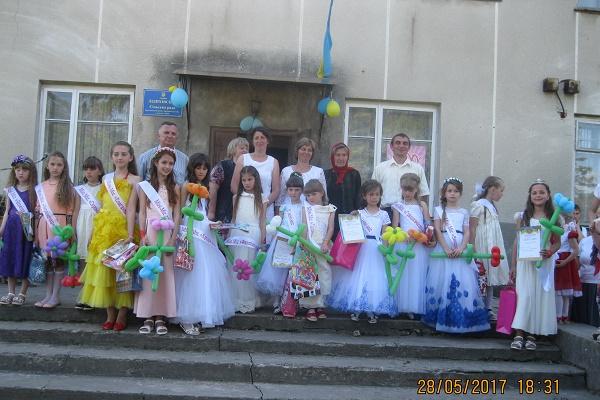 У Лідихові на Кременеччині віддзвеніли дитячими радощами й сміхом аж два свята (Фото)