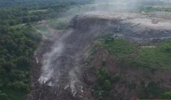 На Львівщині горіли одразу два сміттєзвалища