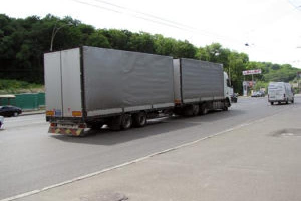 На дорогах Тернопільщини вводять обмеження для вантажного транспорту