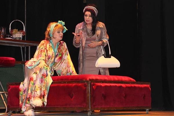 Перед виходом на сцену, Соломія вклонилася їй