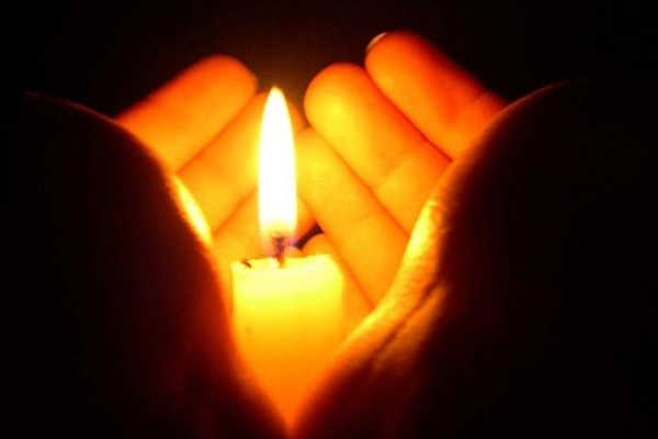 Розмова в смерканні свічки
