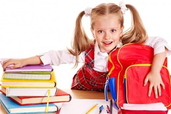 Через закриття навчальних закладів: на Тернопільщині батьки почали масово забирати документи дітей зі шкіл