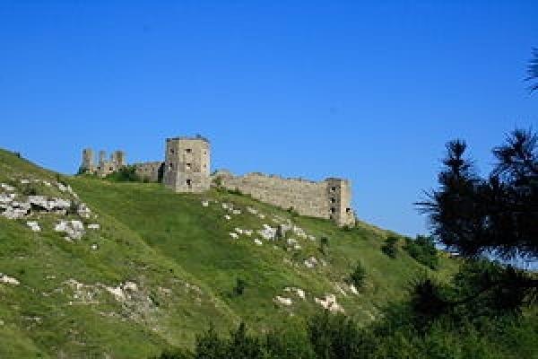 Кудринецький замок – туристична прикраса над Збручем (Фото)