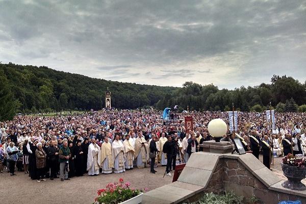 Загальнонаціональна проща у Зарваниці зібрала прочан із усього світу (Фоторепортаж)