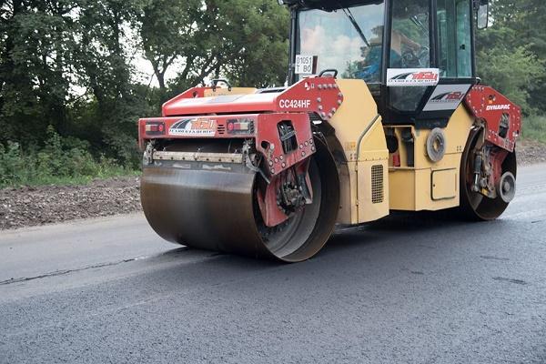 У Тернополі підприємці долучилися до ремонту дороги