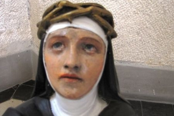 На Тернопільщині знайшли унікальну скульптуру покровительки Європи святої Катерини Сієнської  (Фото)