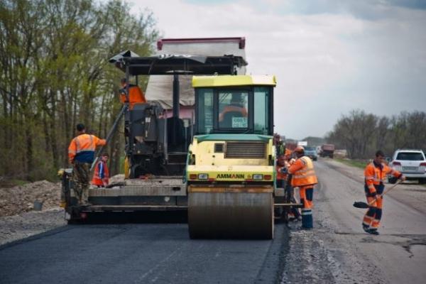 Ремонт тернопільської частини траси до Львова планують завершити у жовтні