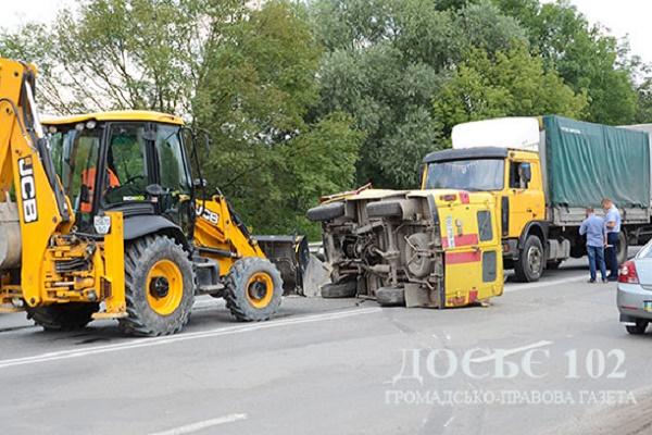 Недотримання правил дорожнього руху привело до ДТП