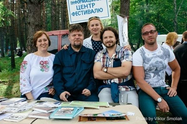 У Кременці письменник зі Львова Богдан Коломійчук зізнався, що «персонажів» власних книг знаходить на… цвинтарях