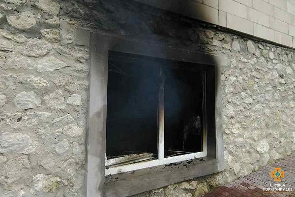 У Петриках горіла дача