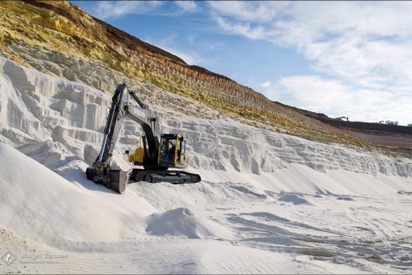 На Бережанщині незаконно видобували пісок у кар'єрі