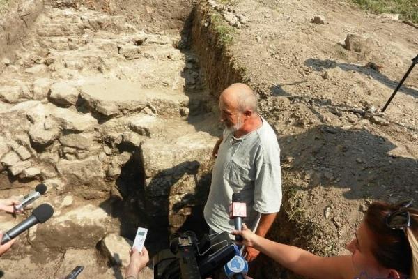 Археологи знайшли оборонний мур 16-17 ст. під час розкопок на території Тернопільського замку