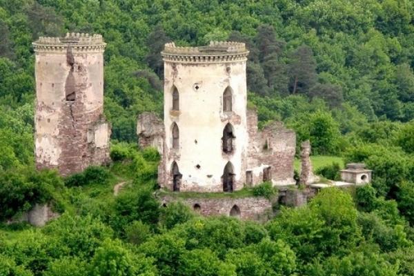 Загадковий Червоногородський замок на Тернопільщині