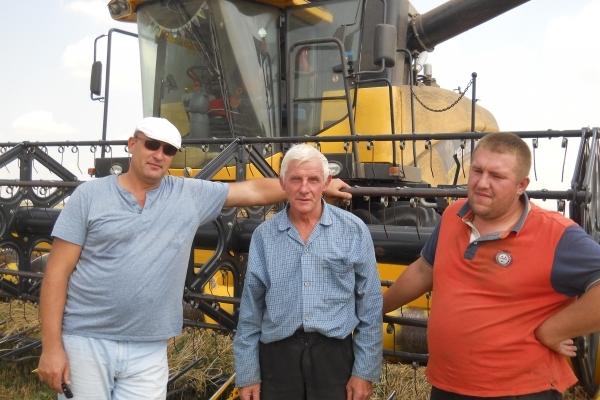Жнивує Тернопільщина: п'яті жнива молодого фермера-депутата