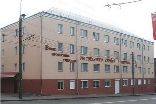 Скандального директора Тернопільського училища суд таки звільнив з роботи