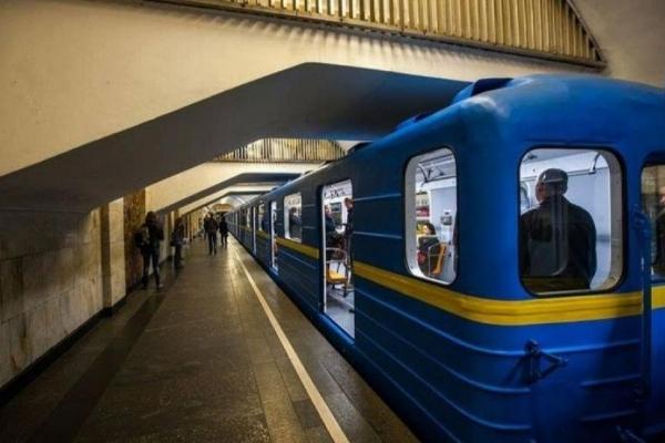 Пасажирів столичного метро здивував незвичний гість