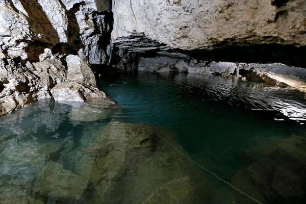Найбільше підземне озеро печери Оптимістичної досліджують спелеодайвери