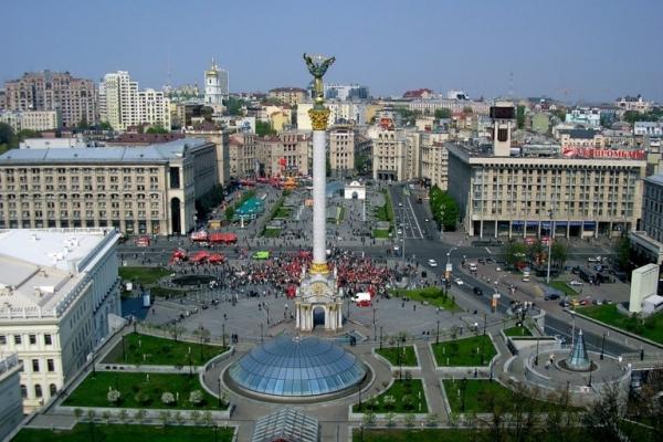 У мережі показали масштабні київські затори з висоти пташиного польоту (Відео)