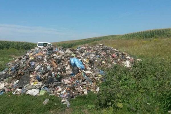 Львівське сміття «мігрує» на Кременеччину