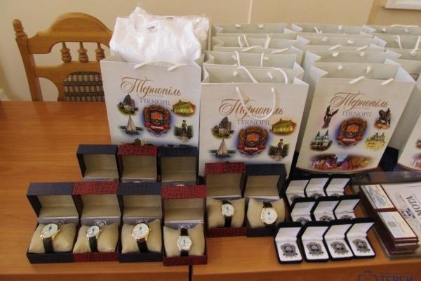 Міський голова 23 серпня нагородив почесних громадян Тернополя