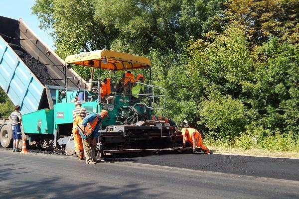 Сьогодні, 3 жовтня, ремонтні роботи на дорогах області тривають